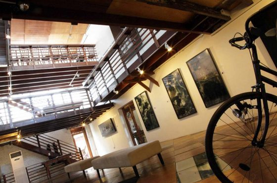 Wei-Ling Gallery