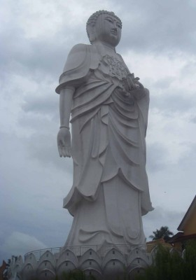 Il Buddha Amithaba nel tempio di Phothikyan