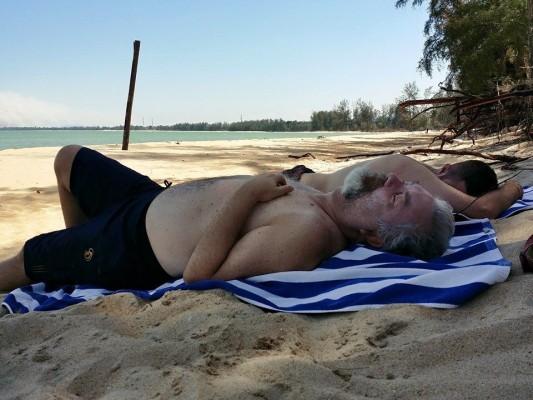 Totale relax sulla spiaggia di Cherating @ foto di Michele Pagnelli