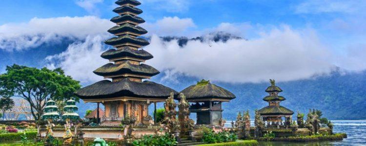 Bratans temple Bali