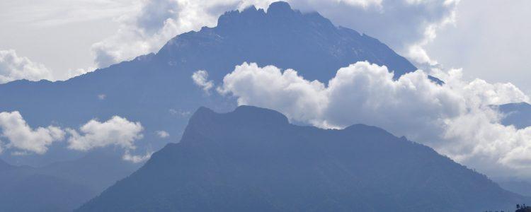 Mt. Kinabalu (4.095 mt)